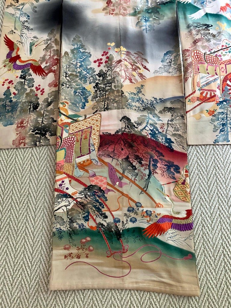Fine Vintage Japanese Furisode Kimono with Yuzen Dyes and Embroidery In Good Condition For Sale In Atlanta, GA