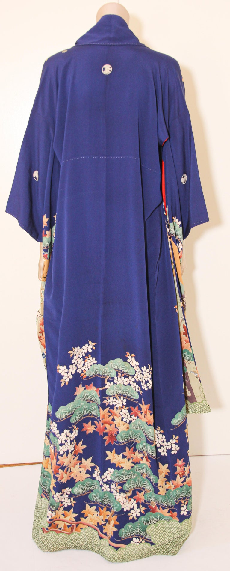 Fine Vintage Japanese Royal Blue Silk Kimono with Yuzen Design For Sale 7