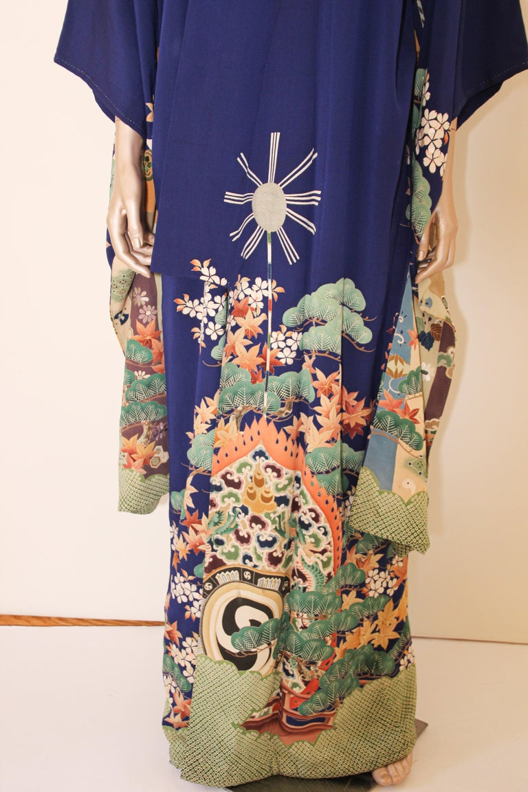 Fine Vintage Japanese Royal Blue Silk Kimono with Yuzen Design For Sale 9