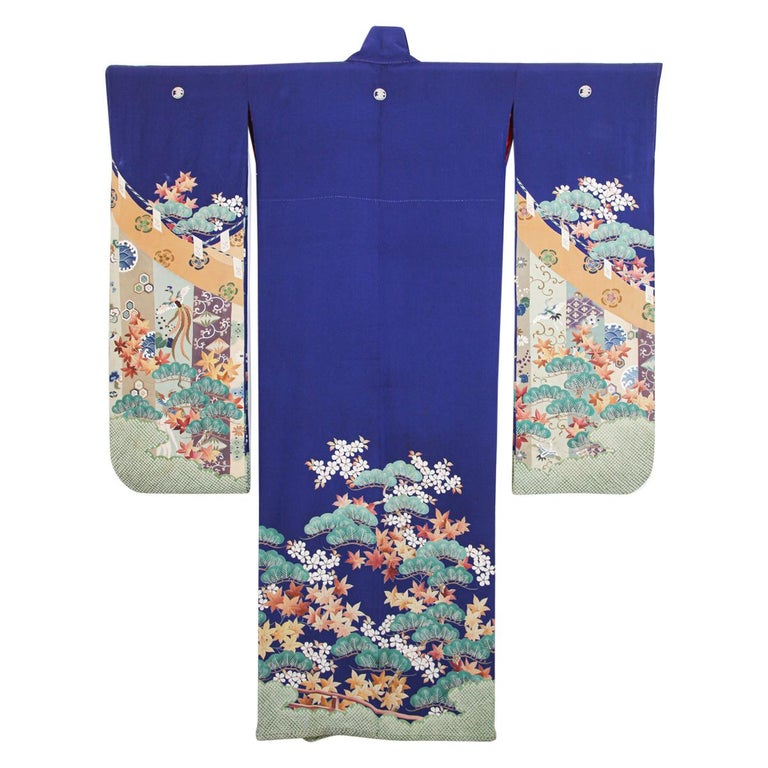 Fine Vintage Japanese Royal Blue Silk Kimono with Yuzen Design For Sale