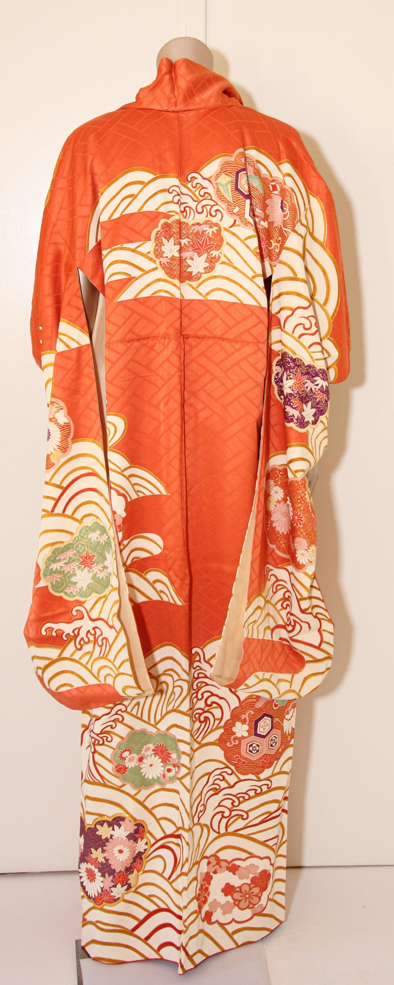 Fine vintage Japanese silk kimono.