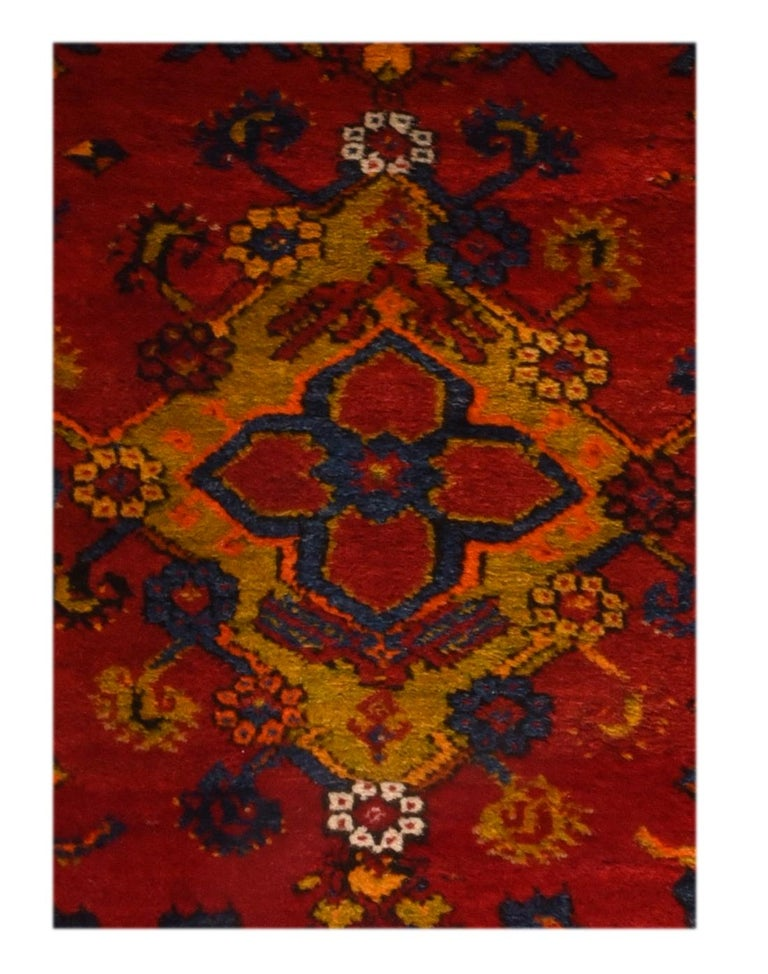 Fine vintage Konya Turkish rug, hand knotted, circa 1950s