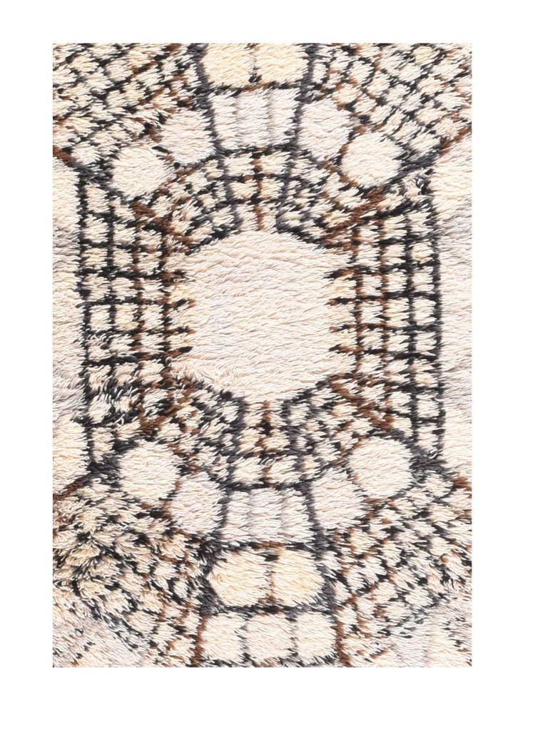 Fine vintage Swedish rug/carpet, hand knotted, circa 1950s  Design: Art Deco  Carpets and rugs have been handmade knotted wool in Sweden for centuries, taking on many different forms and functions over the course of time. Rugs woven in the
