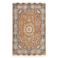 Fine Vintage Tabriz Persian Rug. Size: 6 ft 7 in x 9 ft 11 in