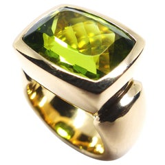 Fine Vivid Peridot 18K Gold Cocktail Ring