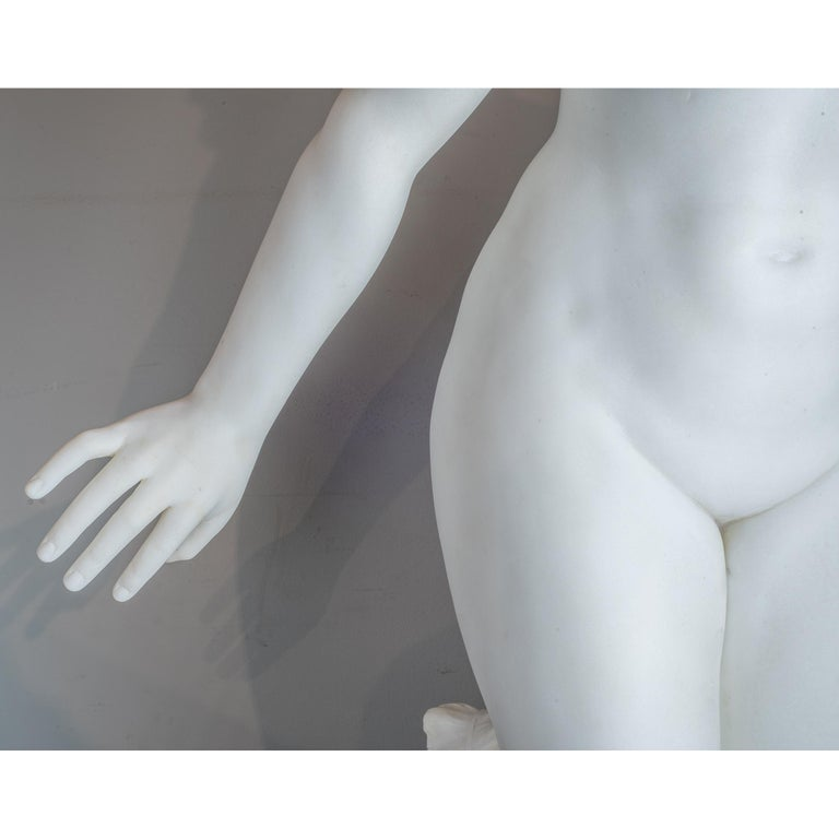 White Marble Statue of a Woman by Aristide Petrilli For Sale 2