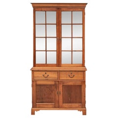 Finely Crafted American PA Walnut Two-Door Cupboard/Bookcase, circa 1800-1820