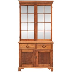 Finely Crafted American PA Walnut Two-Door Cupboard/Bookcase, circa 1800