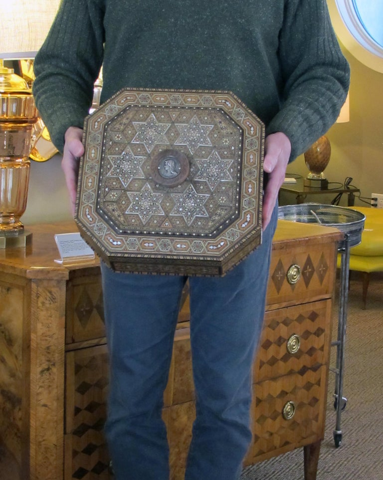 Finely Crafted Middle Eastern Micro-Mosaic Marquetry Inlaid Octagonal Lidded Box For Sale 3