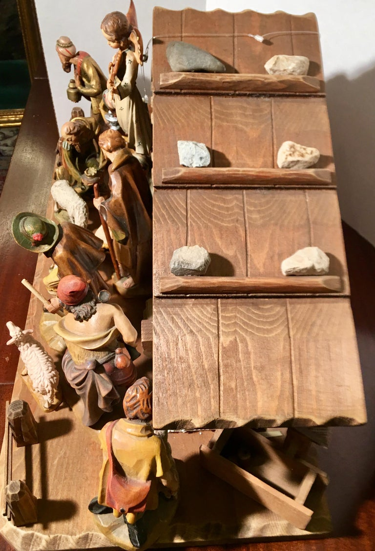 Finest Quality Italian Nativity Set Hand Carved Wood 16-Piece Oswald Demetz Deur For Sale 4