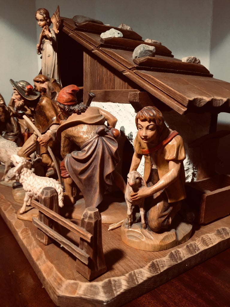 Finest Quality Italian Nativity Set Hand Carved Wood 16-Piece Oswald Demetz Deur For Sale 6