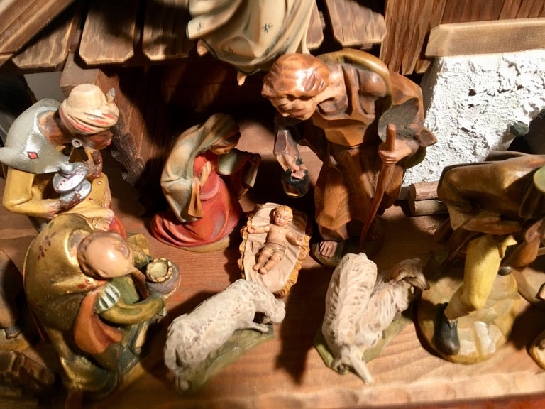 Finest Quality Italian Nativity Set Hand Carved Wood 16-Piece Oswald Demetz Deur For Sale 9