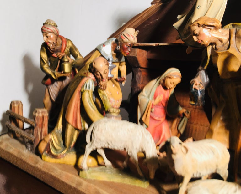 Finest Quality Italian Nativity Set Hand Carved Wood 16-Piece Oswald Demetz Deur For Sale 11
