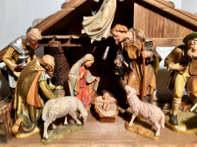Finest Quality Italian Nativity Set Hand Carved Wood 16-Piece Oswald Demetz Deur For Sale 12