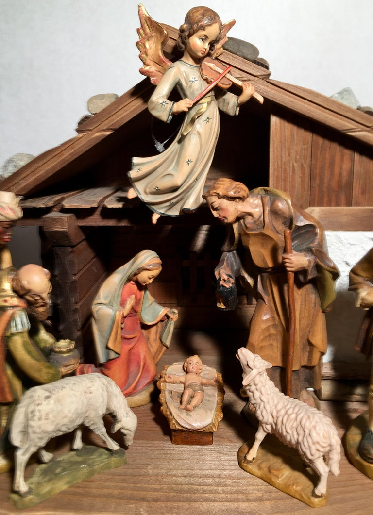 Finest Quality Italian Nativity Set Hand Carved Wood 16-Piece Oswald Demetz Deur For Sale 13