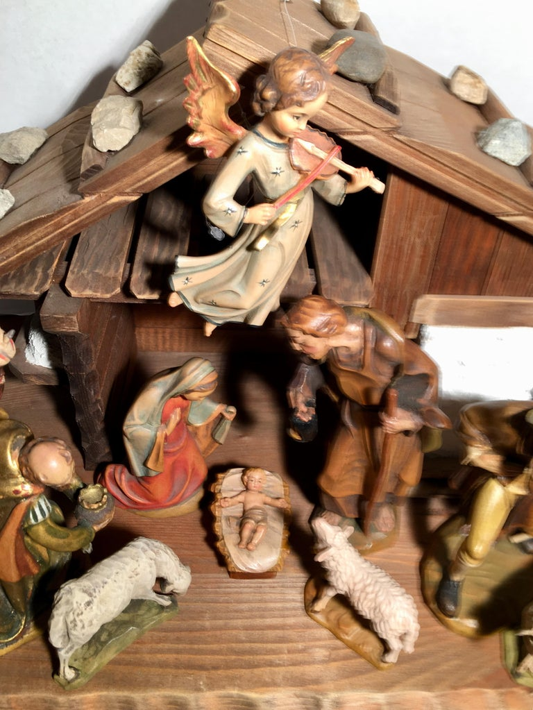Finest Quality Italian Nativity Set Hand Carved Wood 16-Piece Oswald Demetz Deur For Sale 14