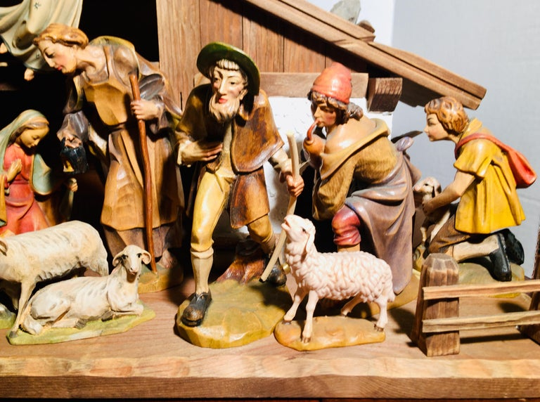Other Finest Quality Italian Nativity Set Hand Carved Wood 16-Piece Oswald Demetz Deur For Sale