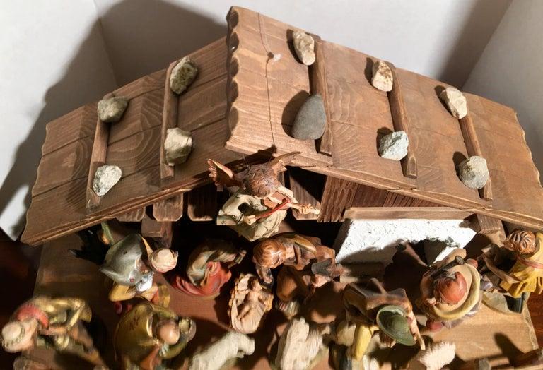 Finest Quality Italian Nativity Set Hand Carved Wood 16-Piece Oswald Demetz Deur For Sale 3