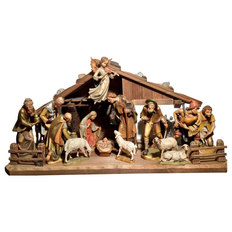 Finest Quality Italian Nativity Set Hand Carved Wood 16-Piece Oswald Demetz Deur For Sale