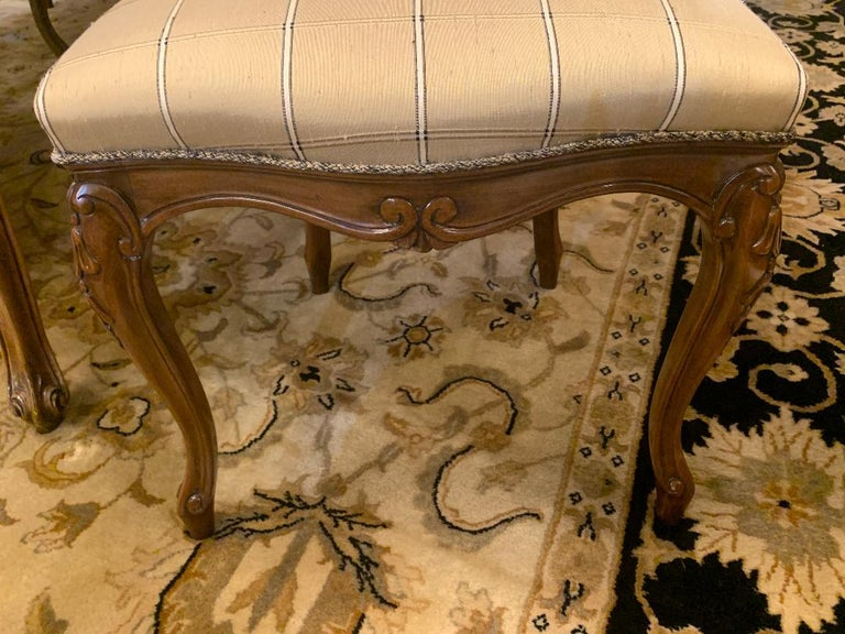 Finest Quality Karges Louis XV Style Walnut Dining Room Table with Eight Chairs For Sale 4