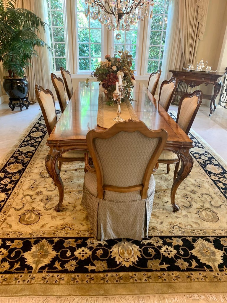 North American Finest Quality Karges Louis XV Style Walnut Dining Room Table with Eight Chairs For Sale