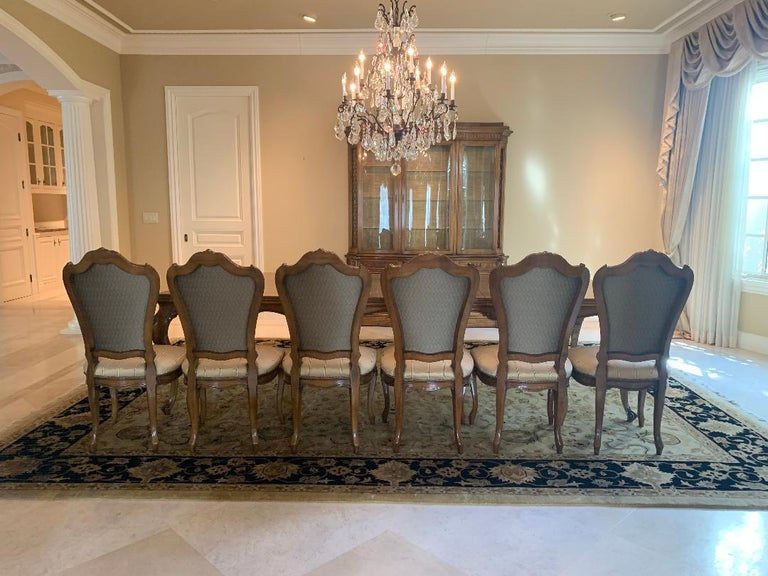 Hand-Crafted Finest Quality Karges Louis XV Style Walnut Dining Room Table with Eight Chairs For Sale