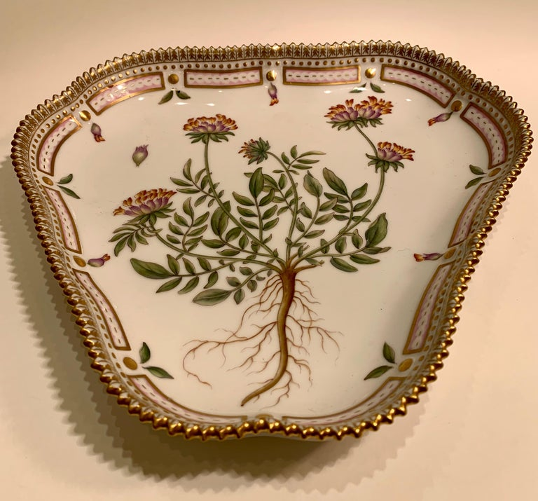 Finest quality, elegantly handmade and meticulously hand painted Royal Copenhagen triangular dish or cake dish with the delicate botanical design,