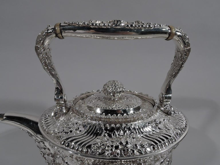 Edwardian Finest Quality Tiffany Repousse Sterling Silver Coffee and Tea Set For Sale