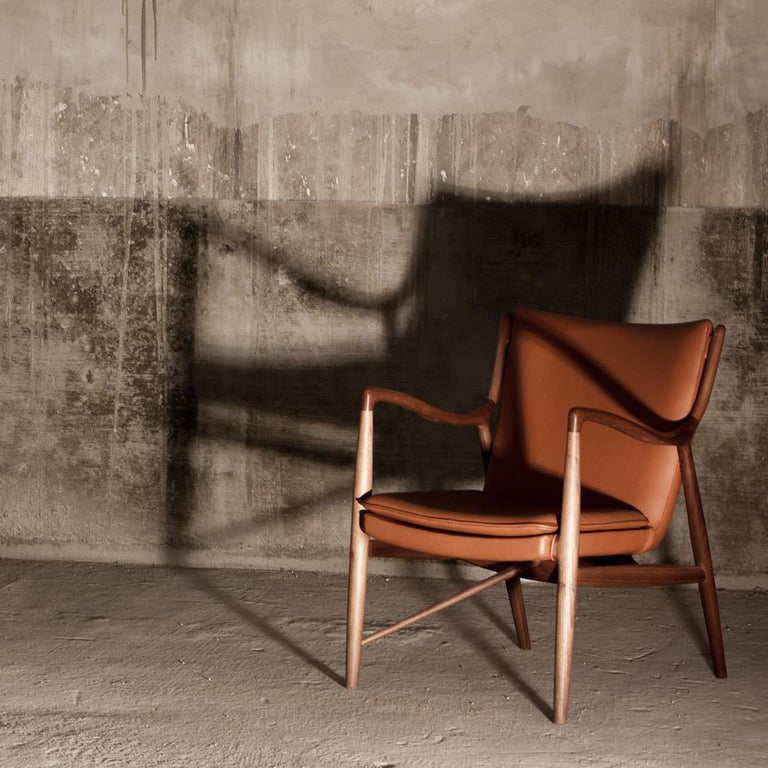 Finn Juhl 45 Chair Walnut, Black Leather For Sale 4