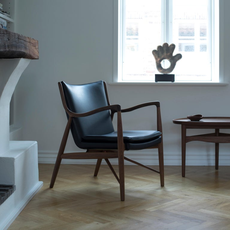 Finn Juhl 45 Chair Walnut, Black Leather For Sale 6