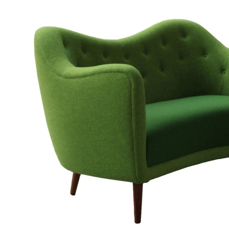 Finn Juhl 46 Sofa Couch Green Fabric Cutout In New Condition For Sale In Barcelona, Barcelona