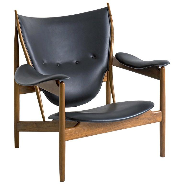 Finn Juhl Chieftain Armchair Walnut, Leather Elegance Black For Sale