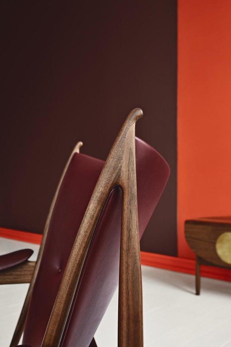 Danish Finn Juhl Chieftain Armchair Wood and Leather For Sale