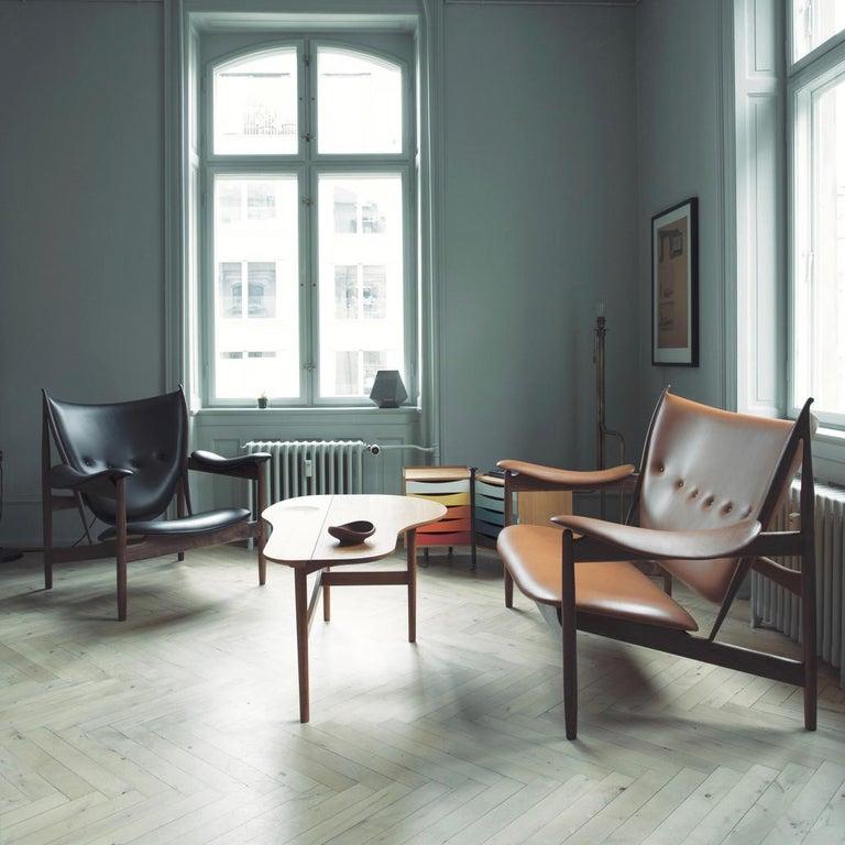 Finn Juhl Chieftain Armchair Wood and Leather For Sale 2