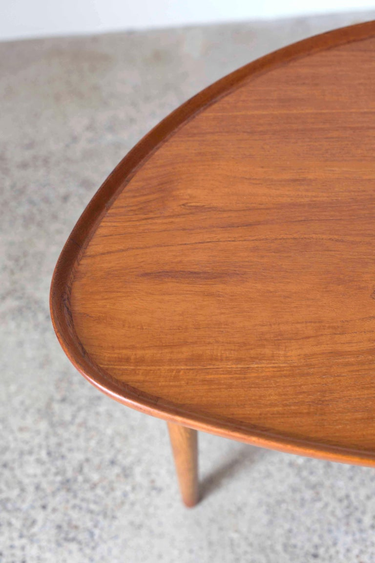 Finn Juhl Coffee Table for Bovirke, 1948 In Good Condition For Sale In Copenhagen, DK