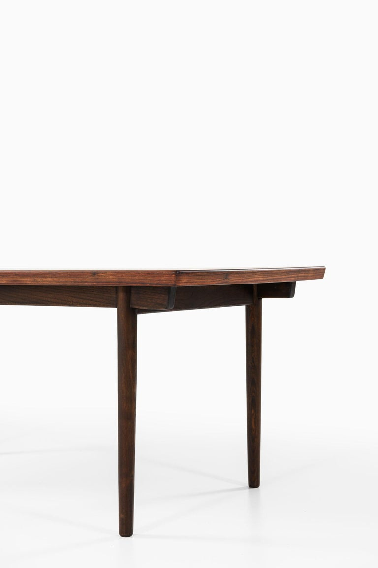 Mid-20th Century Finn Juhl Dining Table Produced by Søren Willadsen Møbelfabrik in Denmark For Sale