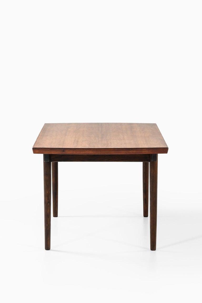 Finn Juhl Dining Table Produced by Søren Willadsen Møbelfabrik in Denmark For Sale 1