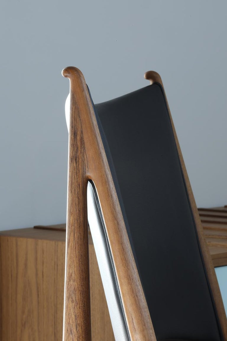 Finn Juhl Egypetian Chair in Wood and Leather For Sale 5