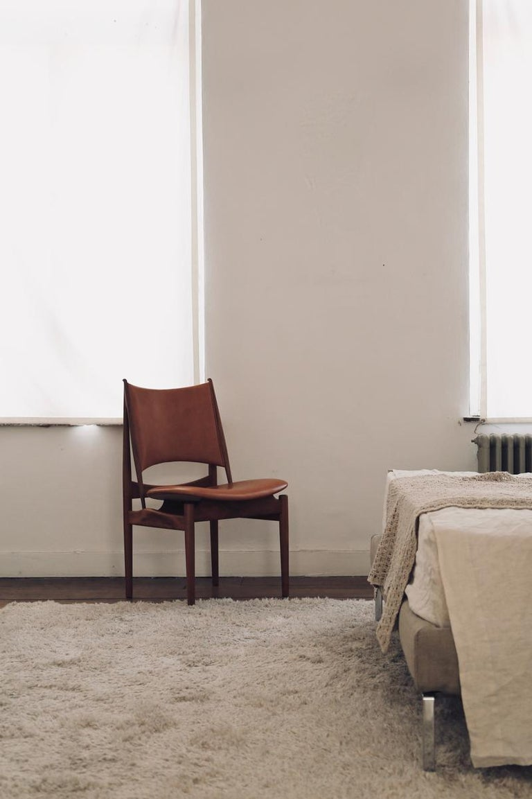 Scandinavian Modern Finn Juhl Egypetian Chair in Wood and Leather For Sale