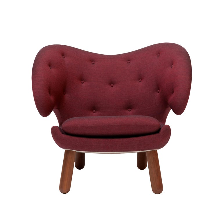 Finn Juhl Garnet Pelican Chair Kvadrat Remix In Good Condition For Sale In Barcelona, Barcelona