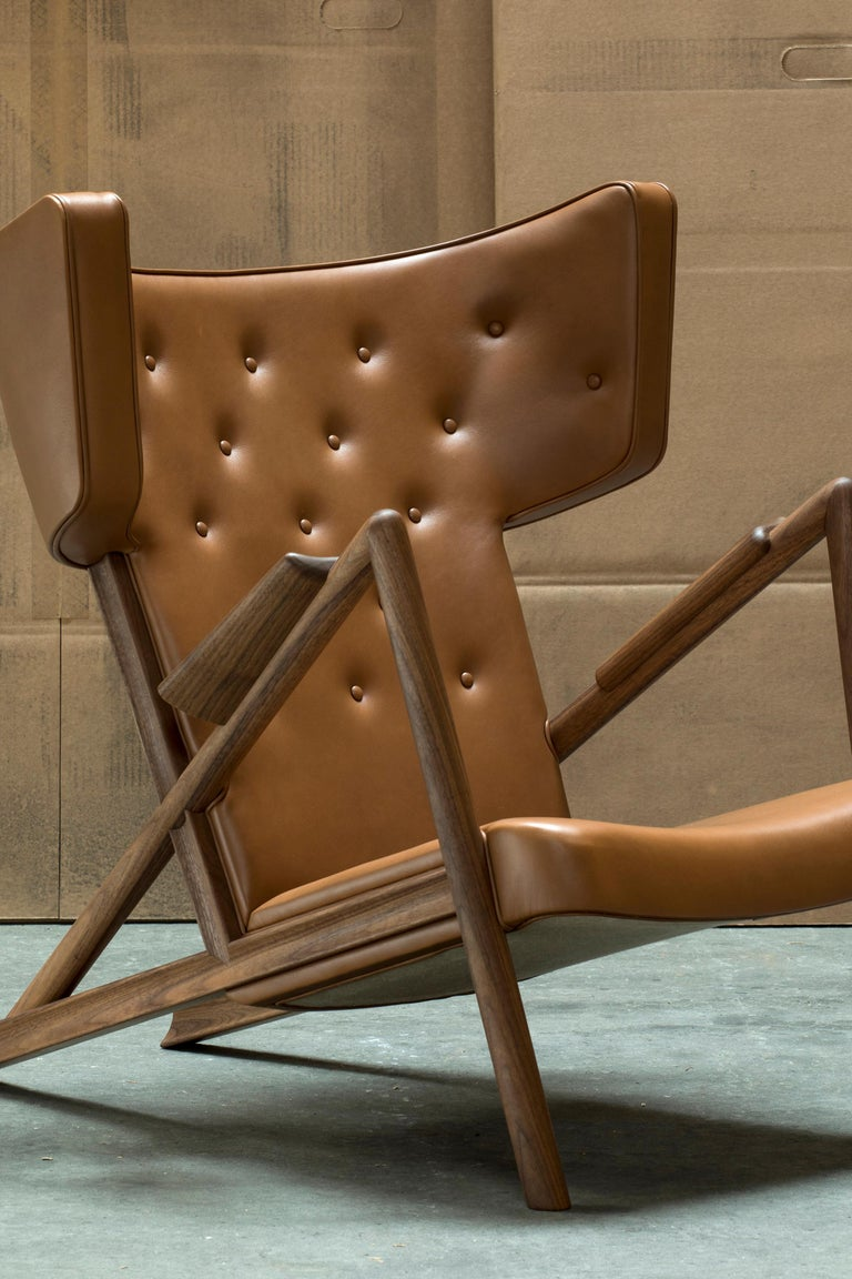 Finn Juhl Grasshopper Armchair in Wood and Leather In New Condition For Sale In Barcelona, Barcelona