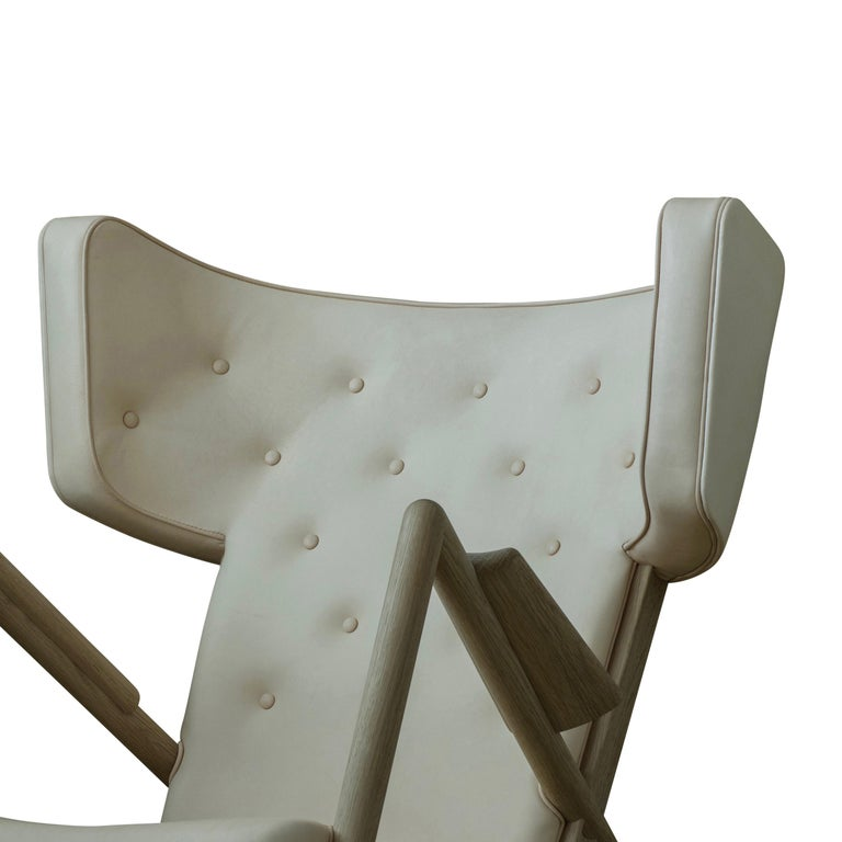 Finn Juhl Grasshopper Armchair, Wood and Leather In New Condition For Sale In Barcelona, Barcelona