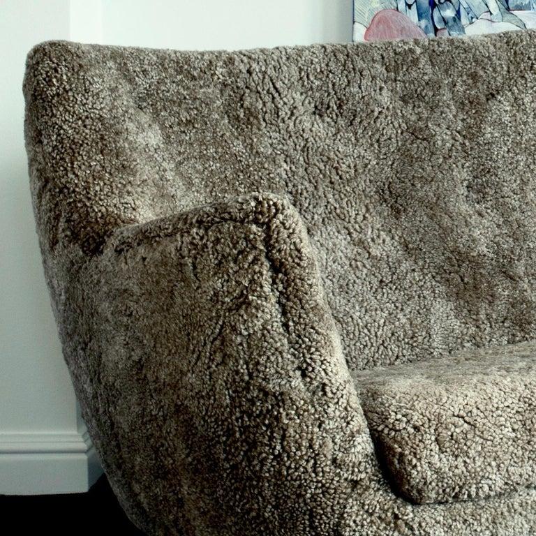 Modern Finn Juhl Grey 46 Sofa Oak Sheepskin Sahara For Sale