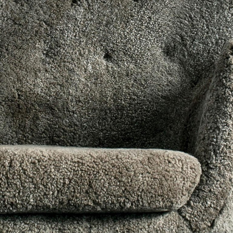 Finn Juhl Grey 46 Sofa Oak Sheepskin Sahara In New Condition For Sale In Barcelona, Barcelona