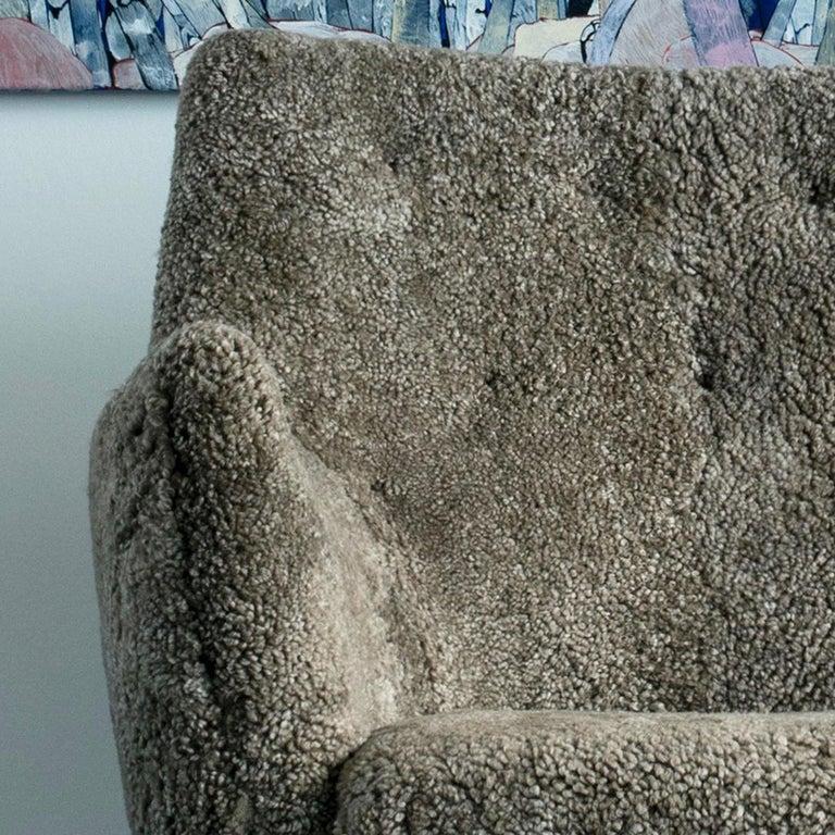 Contemporary Finn Juhl Grey 46 Sofa Oak Sheepskin Sahara For Sale