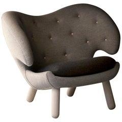 Finn Juhl Grey Pelican Chair Pelican Oak, Hallingdal
