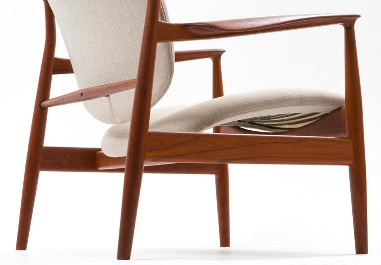 Finn Juhl Lounge Chair Model FD 136 in Teak For Sale 3