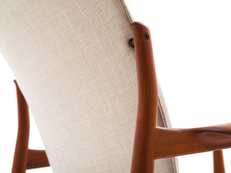 Finn Juhl Lounge Chair Model FD 136 in Teak For Sale 4