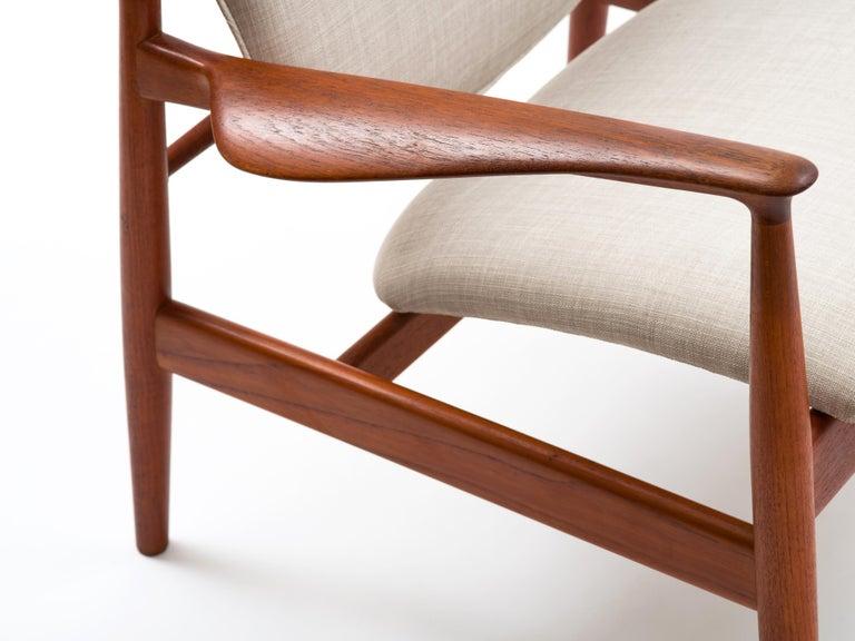 Finn Juhl Lounge Chair Model FD 136 in Teak For Sale 5