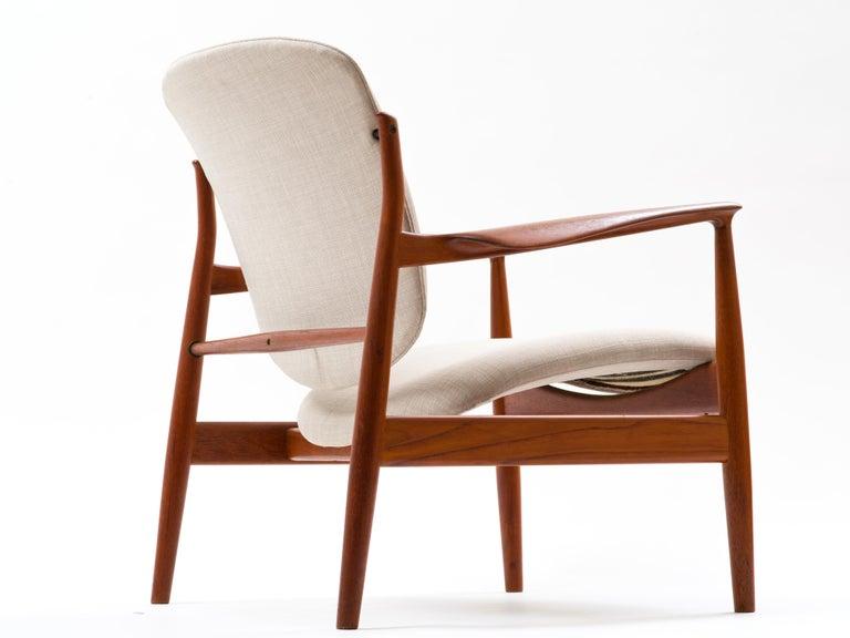 Danish Finn Juhl Lounge Chair Model FD 136 in Teak For Sale